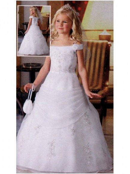 Půjčovna dětských šatů - půjčení společenských svatebních šatů Praha 9 07aa418225